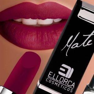 maquillaje de labios rojos