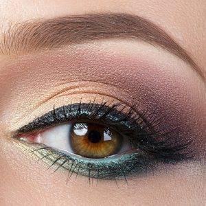 delineador de ojos permanente